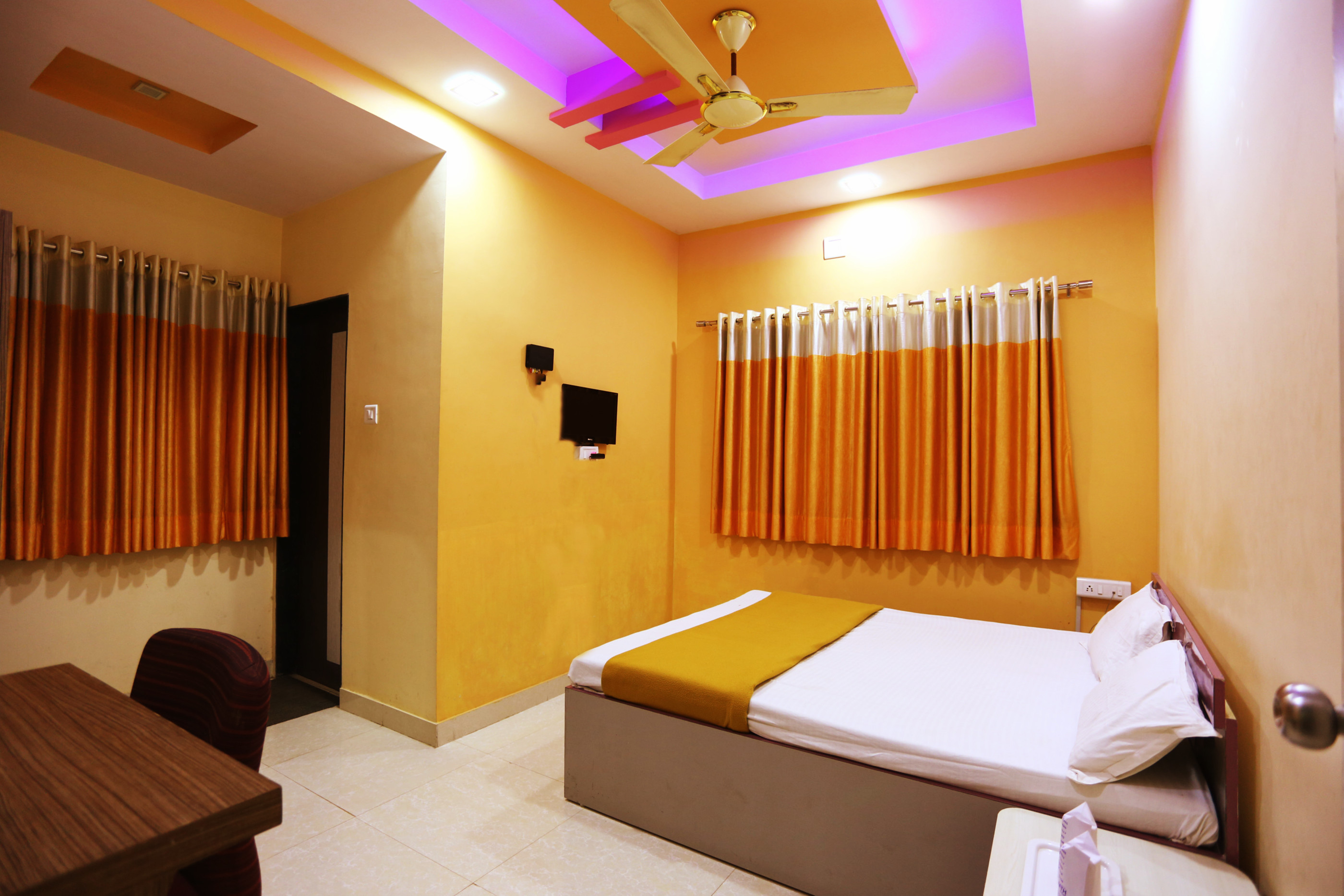 Rooms: Superior Non A/C Room At Hotel Somnath Sagar, Somnath