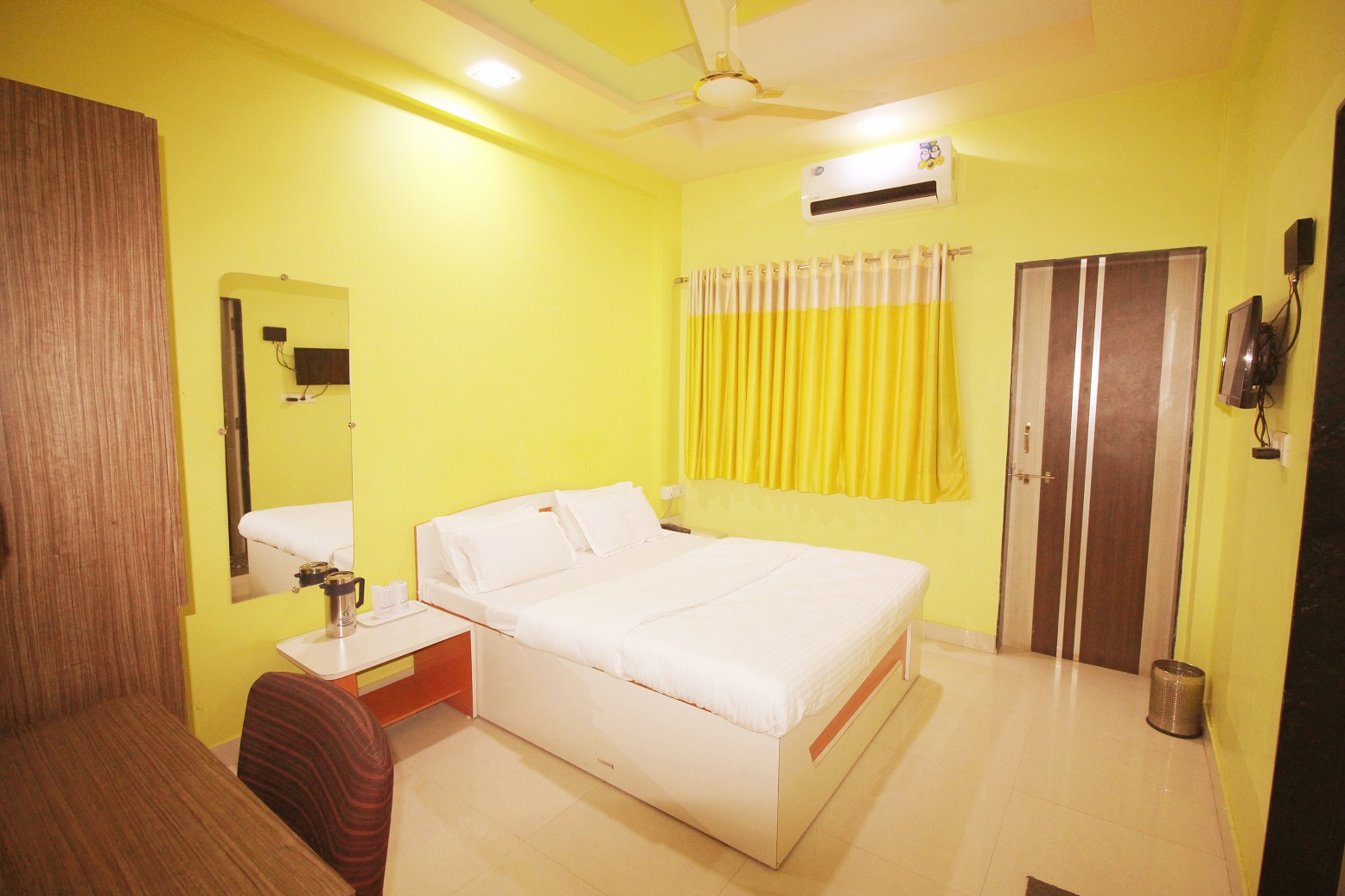 Hotel Somnath Sagar - Superior AC Room View_2