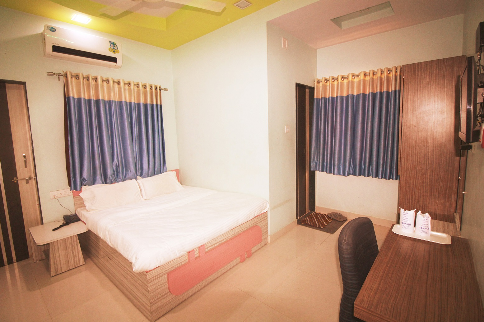 Hotel Somnath Sagar - Superior AC Room View_3